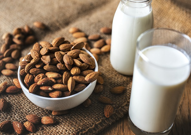 Exemple de lait végétal : le lait d'amande